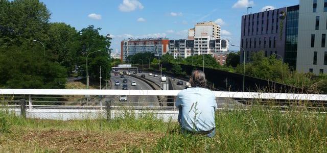 Regards croisés sur nos villes et nos routes qui étouffent sous les voitures